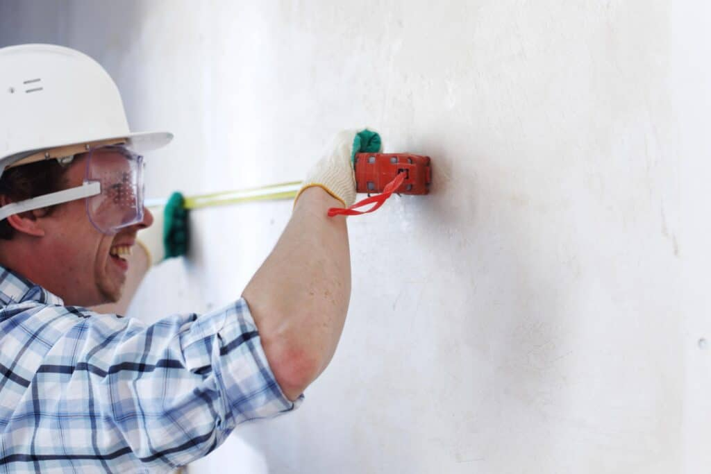 professional drywall repairman service